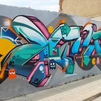 Zurik_HMNI_Graffiti_Girl_Bogota_Colombia_14