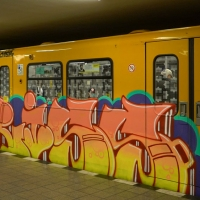 kevin-schulzbus_berlin-metro-graffiti_08_griss